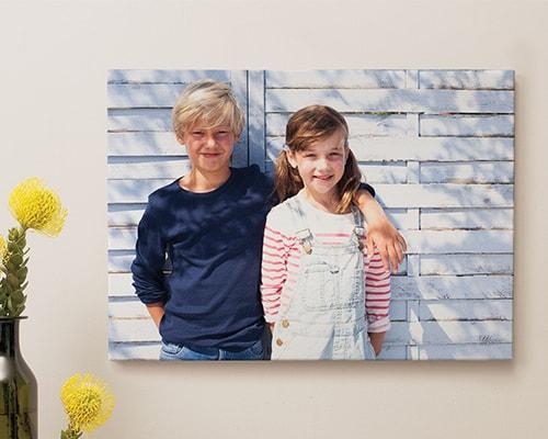 Eine Leinwand zu drucken ist bei albelli spielend leicht möglich: Einfach Foto hochladen und Format wählen.