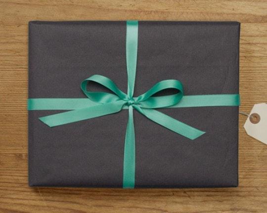 Cadeaubon Voorbeeld Zwart Cadeau Groene Strik
