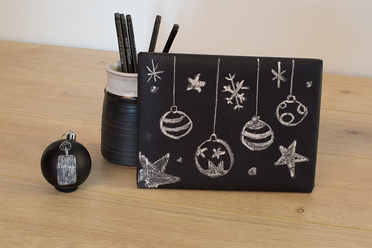 gift-wrapping-ideas-chalk-paper