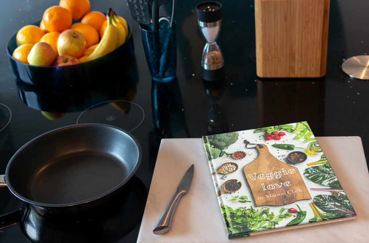 Photo-book-cover-ideas-Cook-book-classic