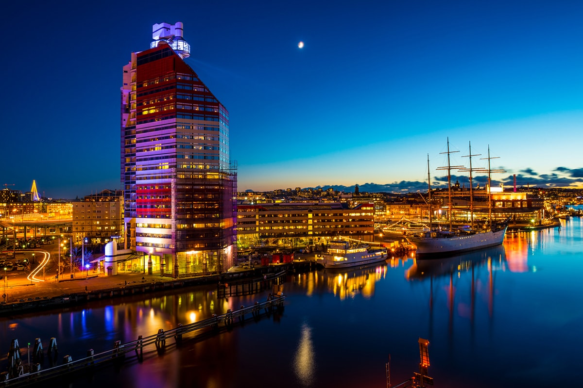 A photo of the waterfront in Gothenburg at night.