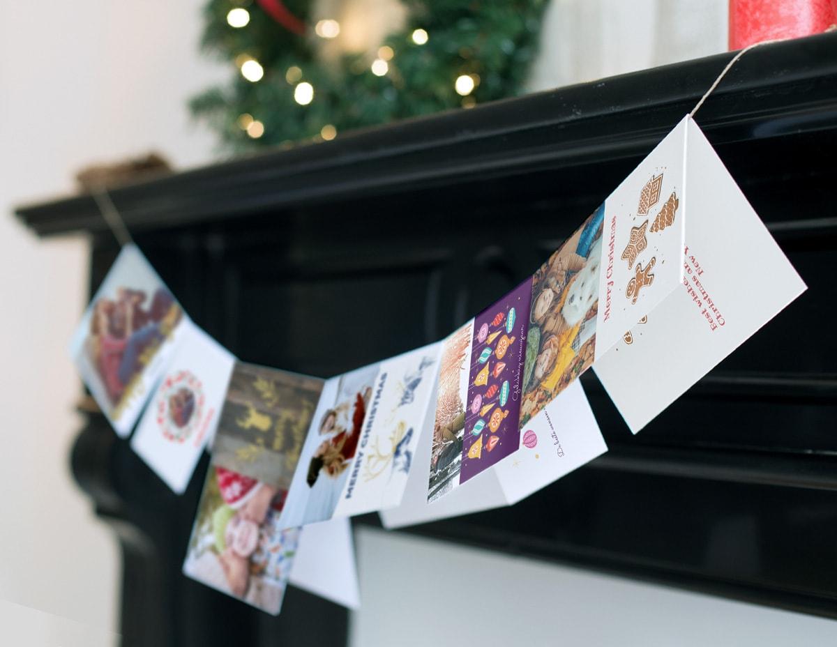 7 kreative m glichkeiten zum pr sentieren deiner weihnachtskarten albelli blog. Black Bedroom Furniture Sets. Home Design Ideas