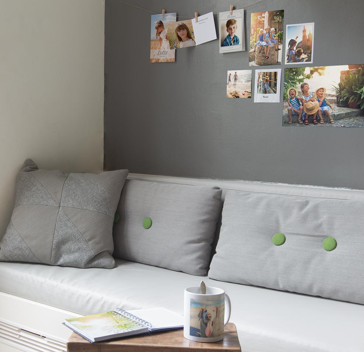 zo maak je een fotowand en geef je je interieur een nieuwe look albelli. Black Bedroom Furniture Sets. Home Design Ideas