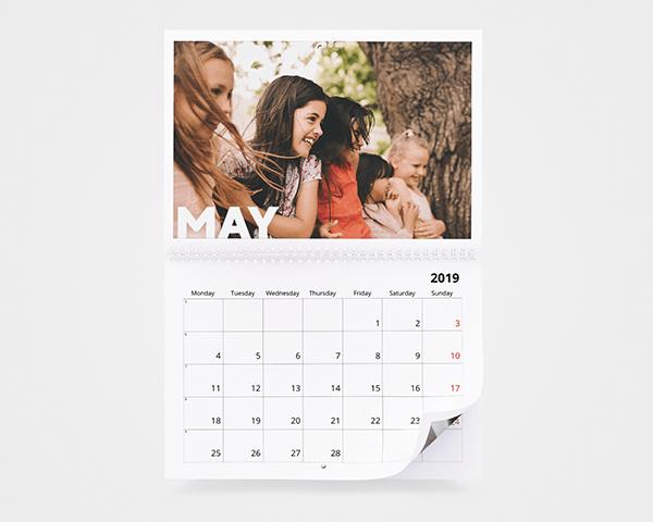 Personalised Calendars 2019 187 Photo Calendars Bonusprint Uk