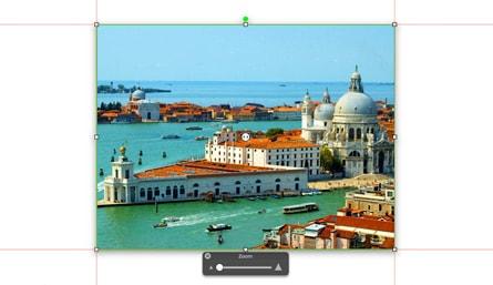 Photo d'une place à Venise et d'un canal avec une touche pour zoomer