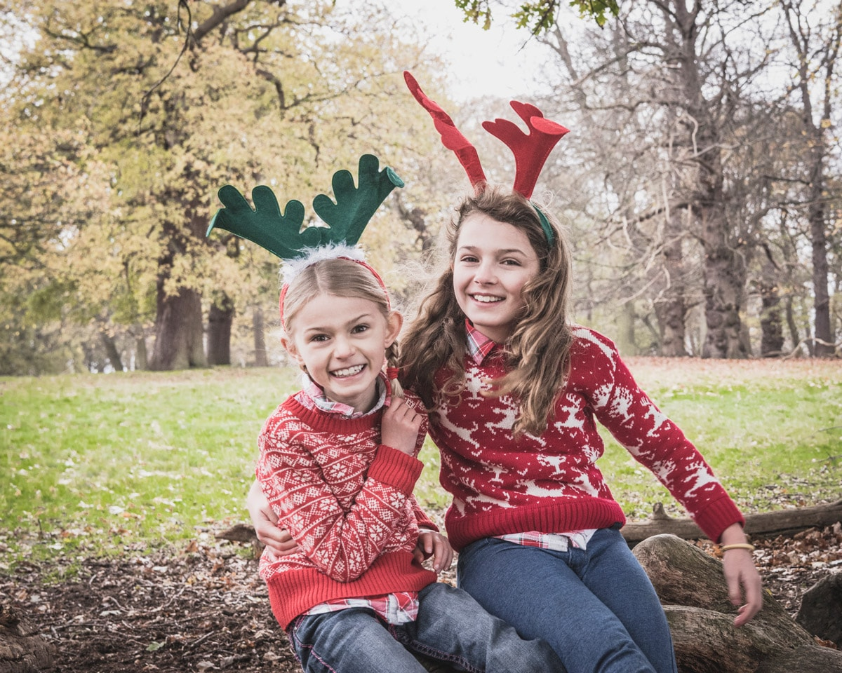 christmas card photo ideas matching outfits