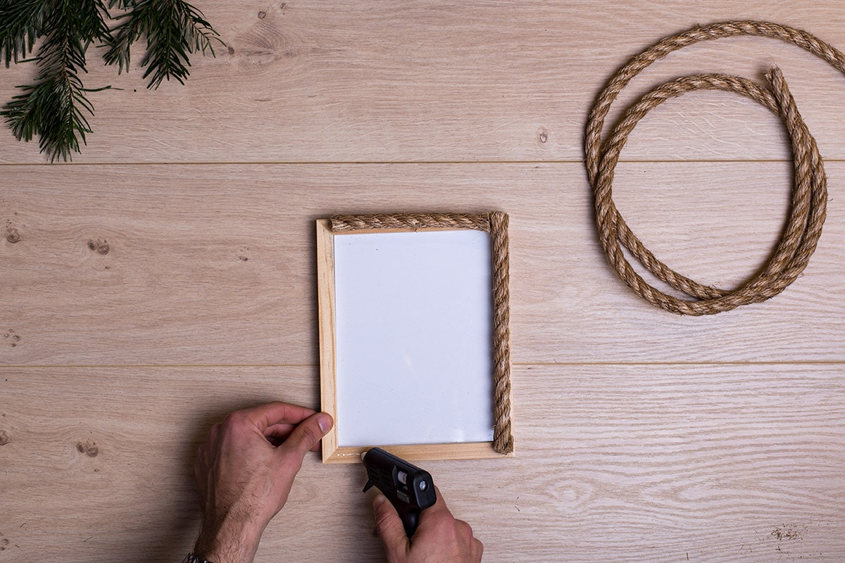 diy-photo-holder-ideas-rope-step-2